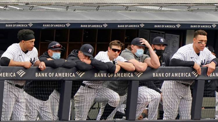 Los jugadores, coaches y ejecutivos de los Yankees de Nueva York están inquietos. También los aficionados.