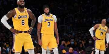 LeBron James y compañía perdieron con los Lakers en el primer juego de la temporada 2021-22 / Kevork Djansezian/GettyImages.