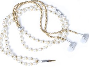 The Pearly LadyBuds Stereo Headphone Necklace make a great gift for the tech-savvy mom who wants to look stylish while grooving to her favorite tunes.