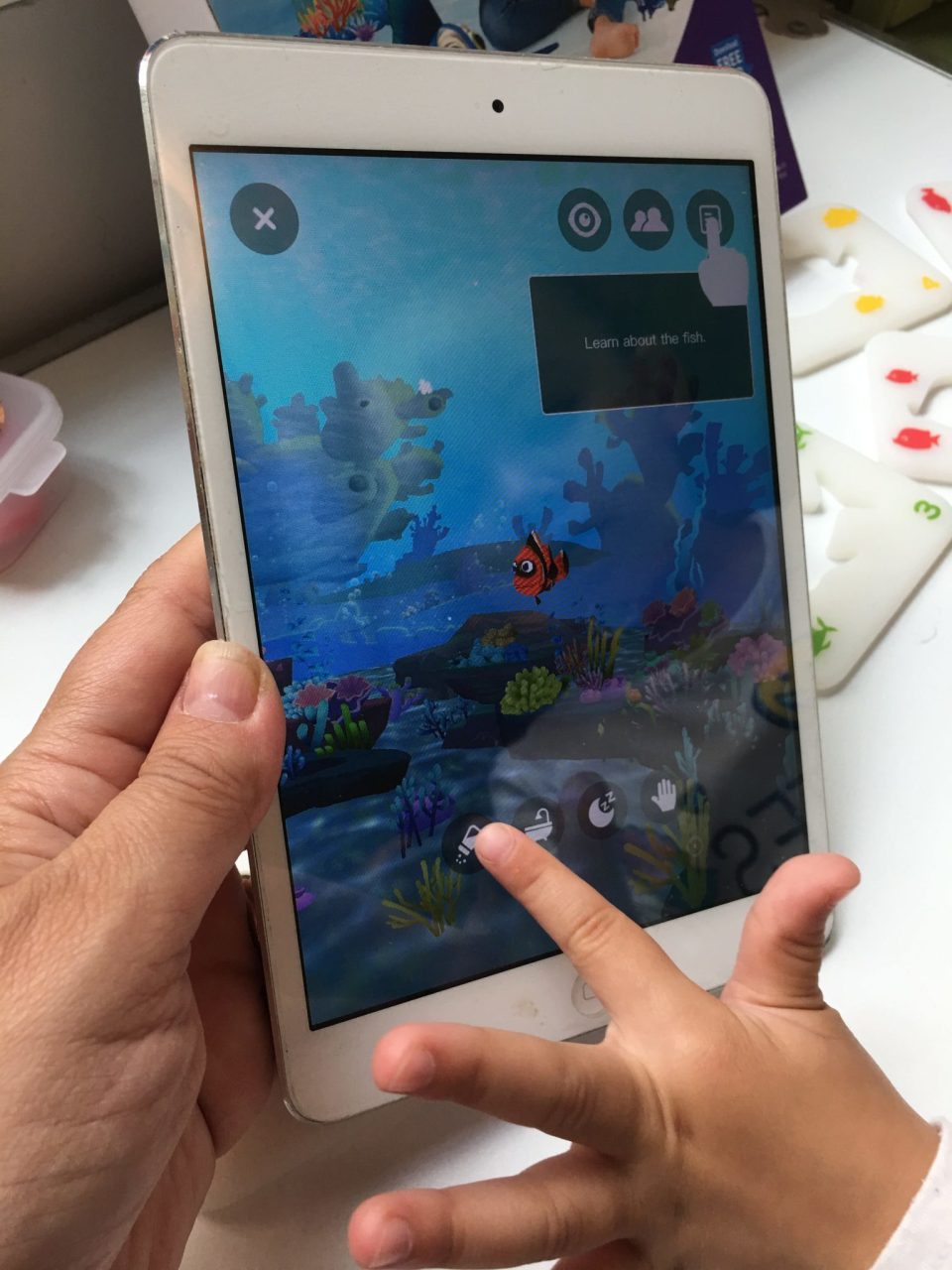Has your kid ever asked for a pet fish? Or maybe an entire aquarium full of them? With Ocean Pets kids can create a virtual aquarium and have fun learning!