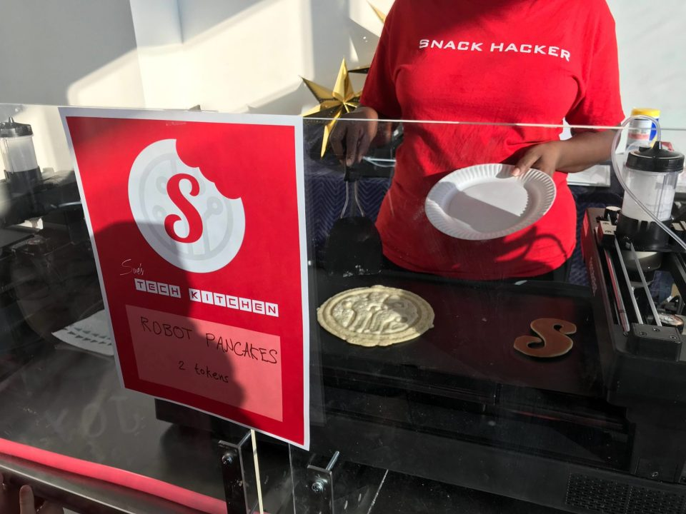 Sue's Tech Kitchen - Pancake Robot