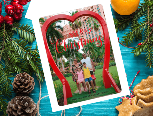 There's still time to get out those holiday picture cards! Learn how with these beautiful and easy holiday cards from Basic Invite...