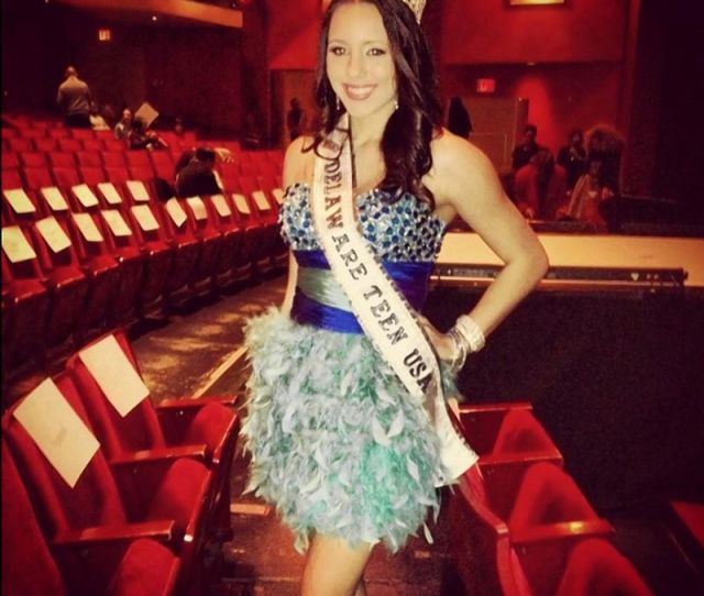Melissa King At Miss New York Appears The Picture Of Beauty Queen Propriety