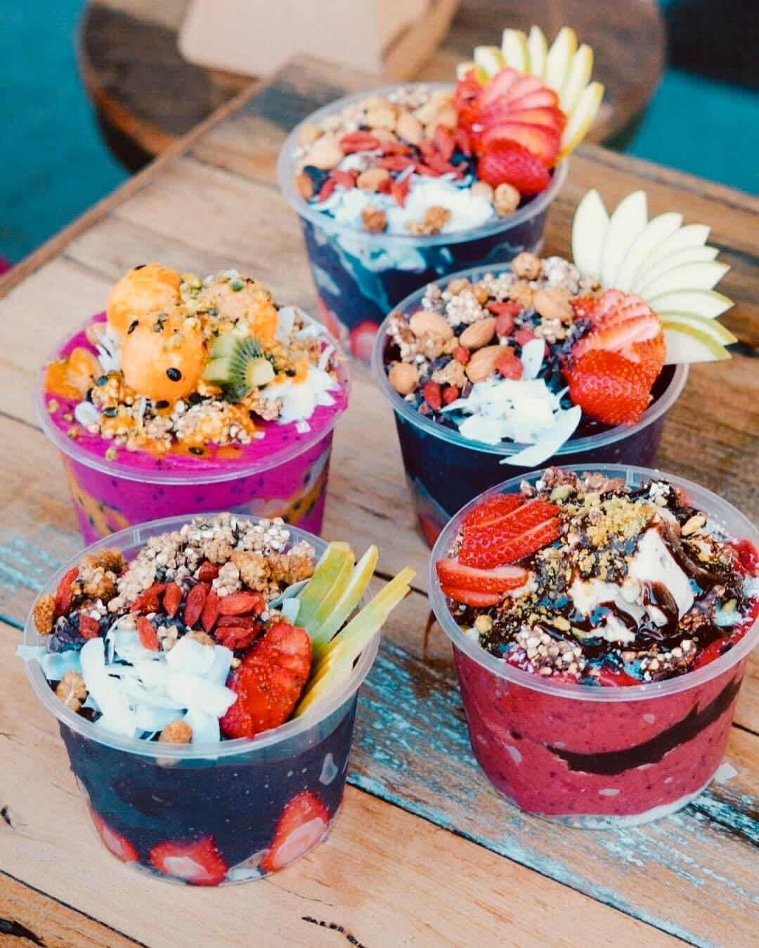 Acai bowls and smoothie food truck catering