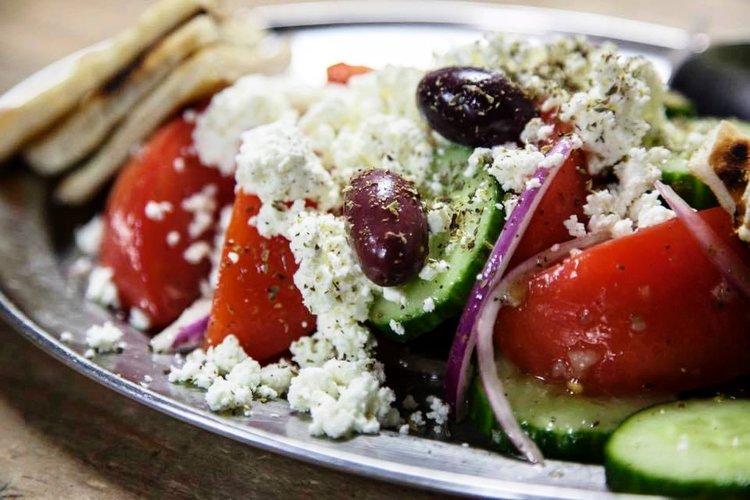 Souvlaki gr greek salad