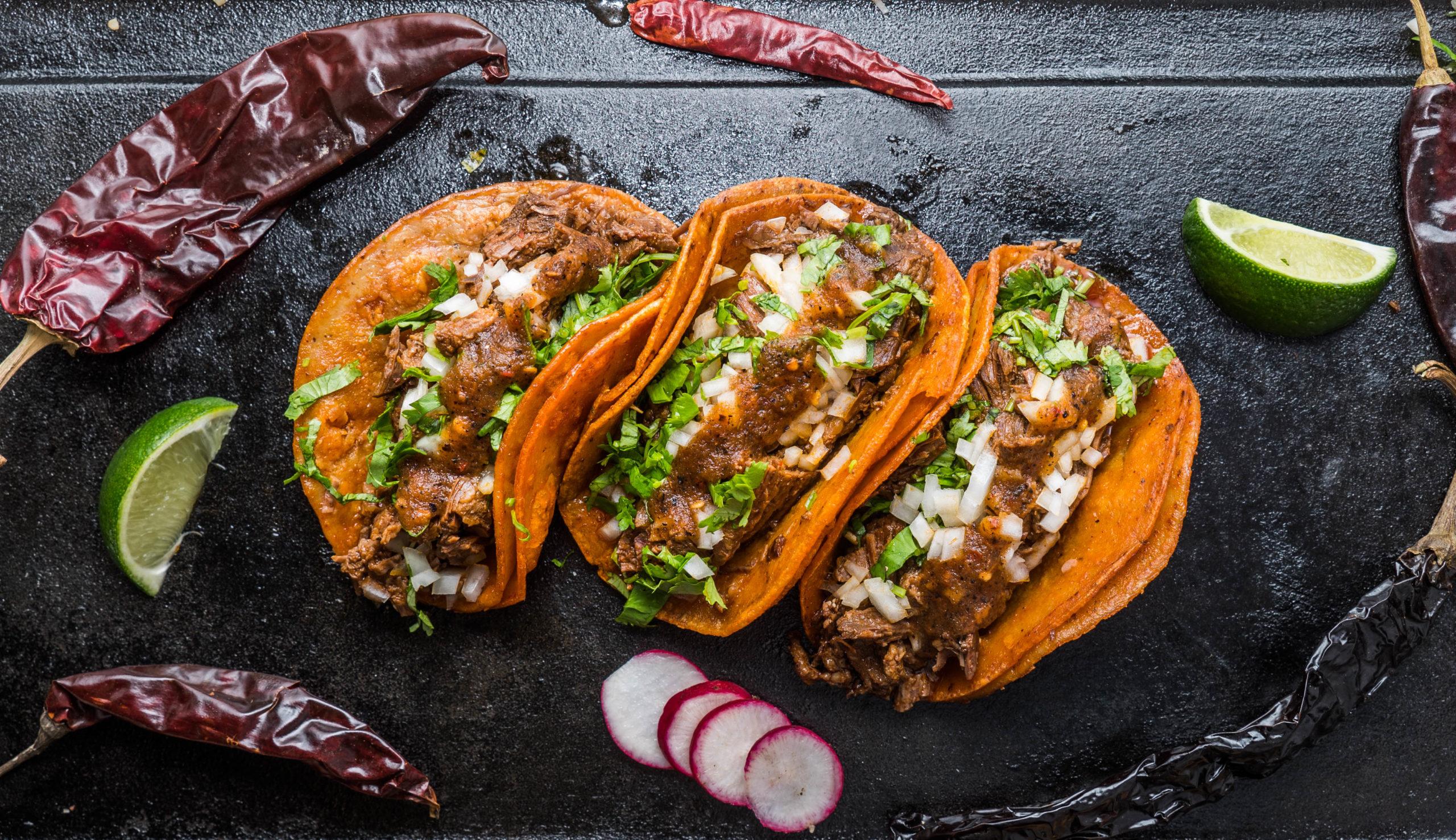 El Toro Rojo food truck Tacos