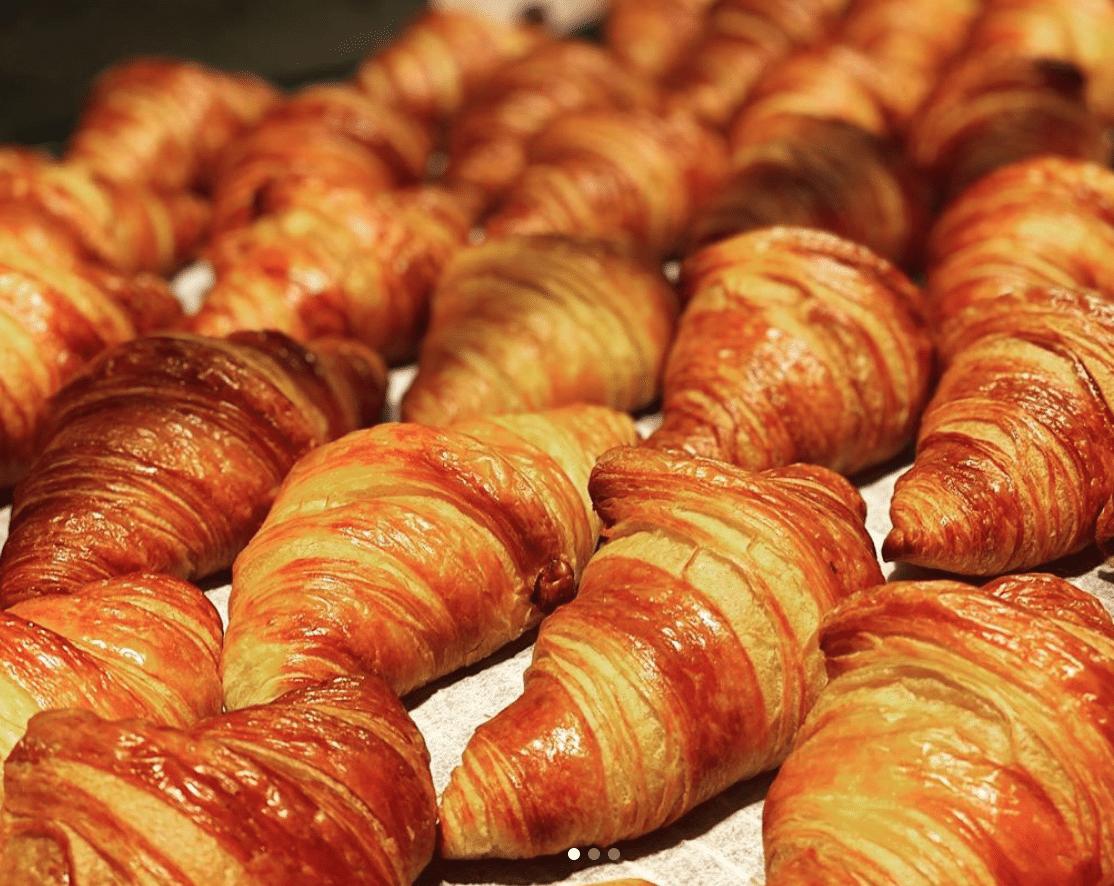Cafe Aronne Croissants