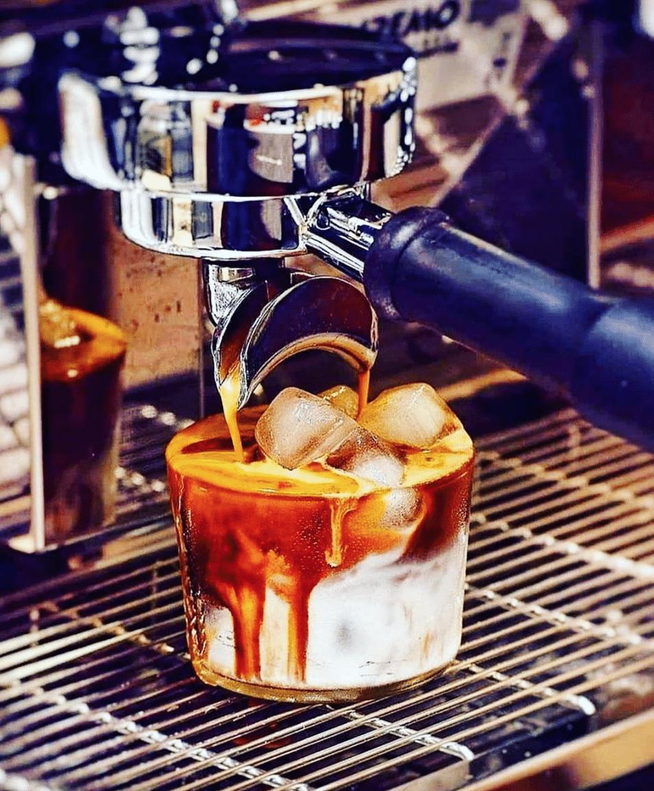 Caffe Aronne Iced Latte