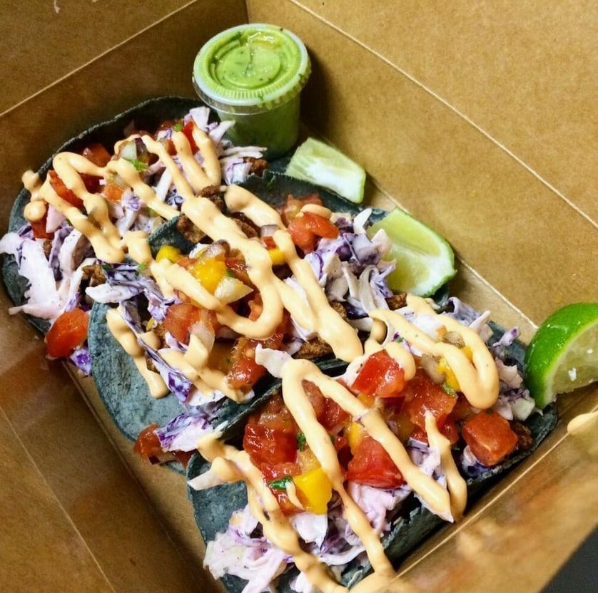Los Viajeros Fish Tacos