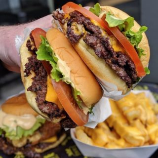 Few things leave us speechless. The ShackBurger® is one of them. 🍔 Link in bio to book the @shakeshack food truck for your next event. #NomYorkCity (📷: @issac_eatsalot)