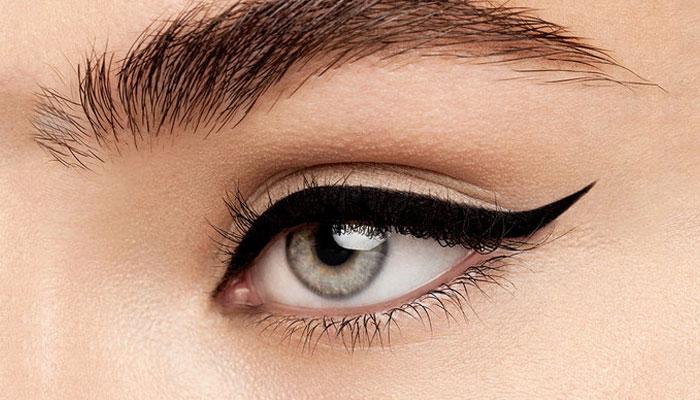 Easy Winged Eyeliner Tutorial How To