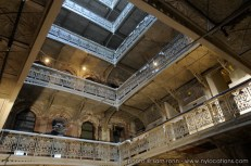 abandoned-atrium-005