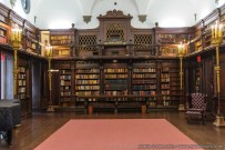 pricvate-library-1-004