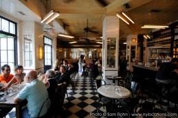 restaurant-bar-location-100009