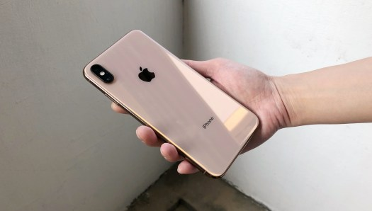 The Taken Max Of Iphone A Photos Comparison Xs Side-by-side With
