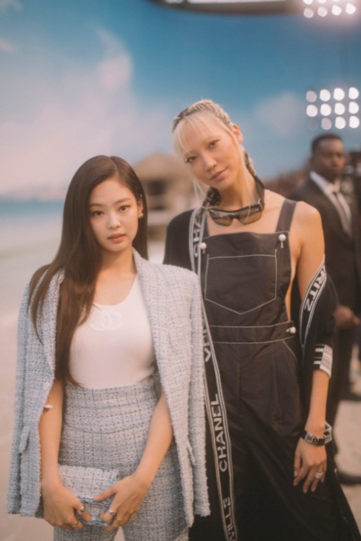 JENNIE KIM and SOO JOO PARK, Chanel Spring Summer 2019 Ready to Wear Collection