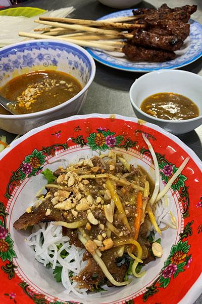 Bún Bò Nam Bộ — Vietnamese Vermicelli with Grilled Beef