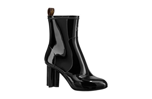Silhouette Ankle Boots in Black