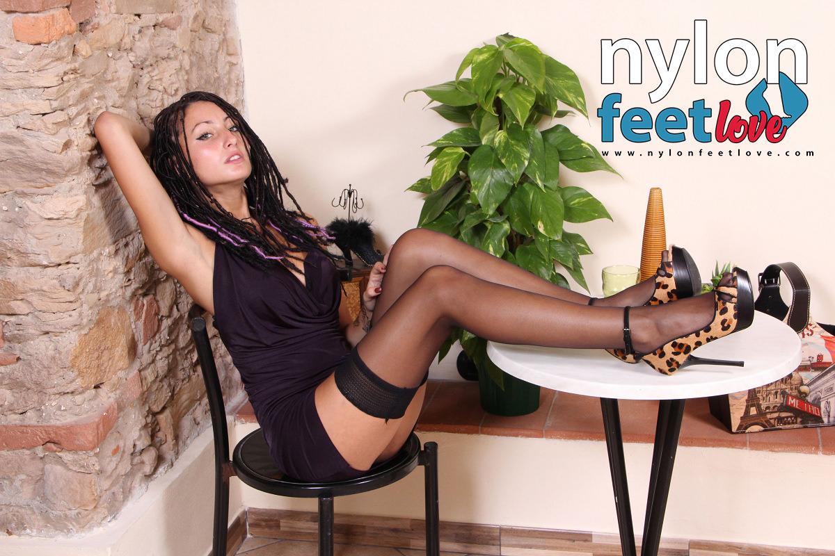 nylon feet-thena-exclusive pantyhose