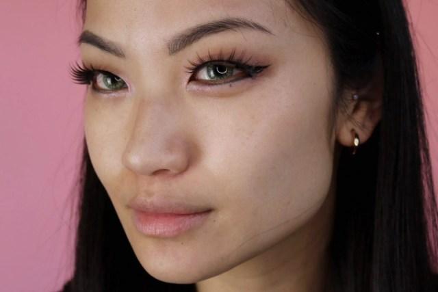 holika-holika-golden-monkey-glamour-lip-patch-step-2-wear
