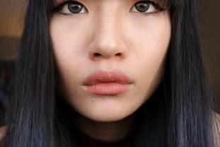 holika-holika-golden-monkey-glamour-lip-patch-step-3