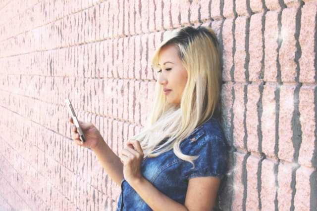 HOW TO FLIRT WHEN MESSAGING ON DATING SITE OR APP