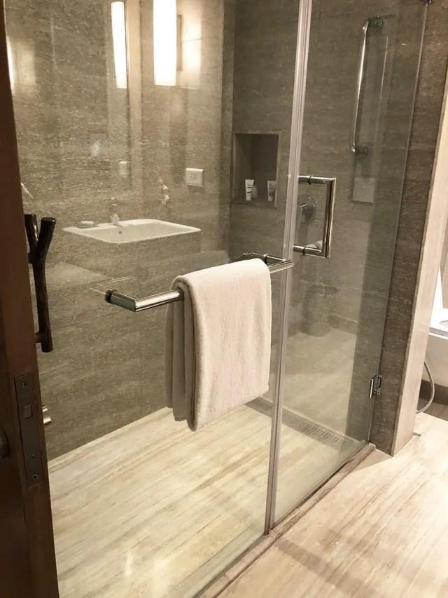 Welcom Hotel ITC Hotel bengaluru - shower 2