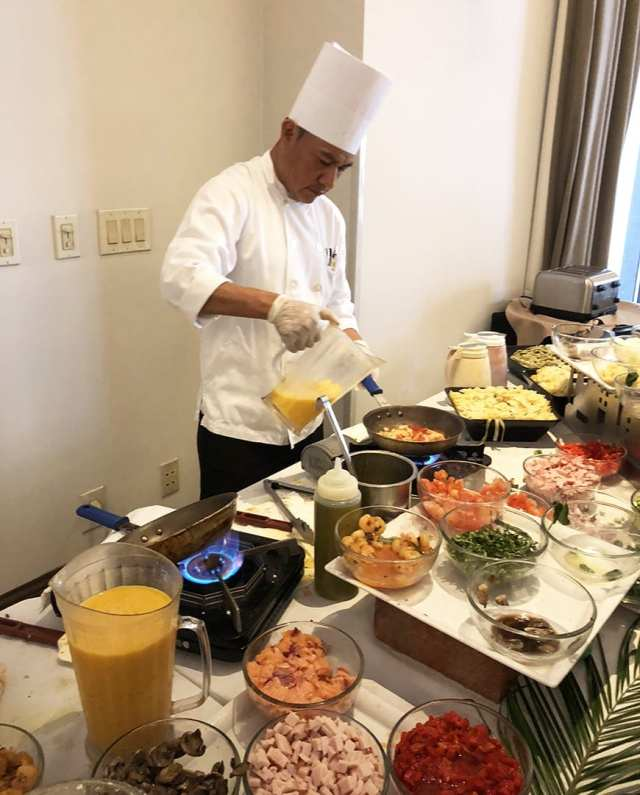 Luxe Sunset Boulevard Hotel - Easter Brunch Buffet - Omelette Station