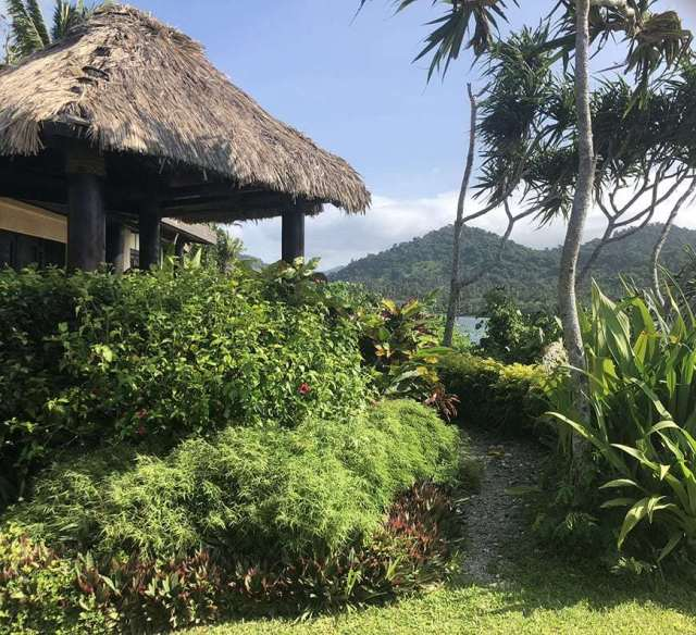 3 BEDROOM LUXURY VILLA IN FIJI WITH PRIVATE POOL - master path