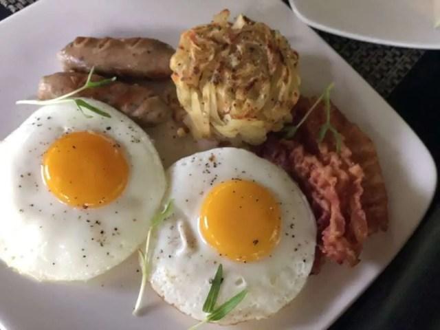 2 Jamahal Private Resort & Spa Jimbaran Bay_Breakfast1
