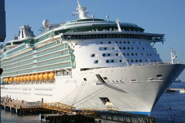 Best Cheap Cruise for Young Couples