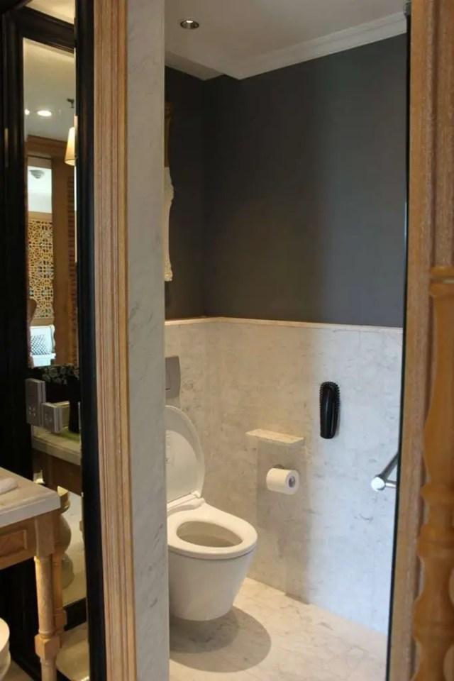 hotel indigo bali seminyak beach - toilet