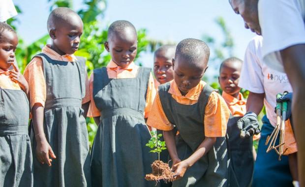 1410_Nyota_Tree_Planting-0542
