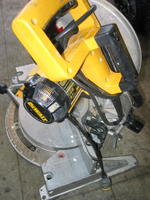 small resolution of use the form below to delete this dewalt dws780 12 inch double bevel sliding compound miter saw image from our index