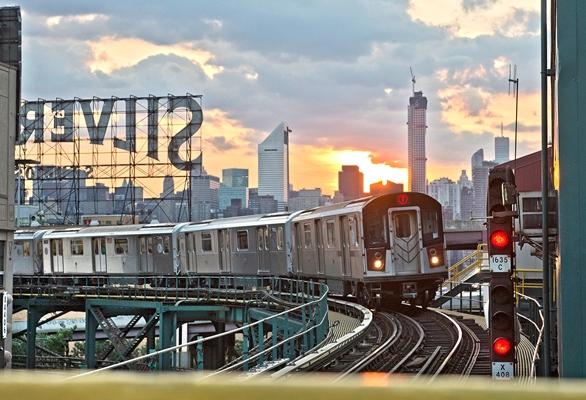 Long Island City, Photo by Patrick Cashin / MTA