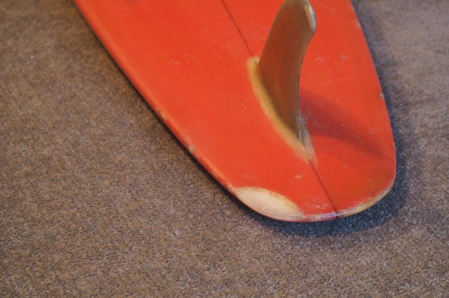 リペア後のサーフボード。表面が綺麗に仕上がっている
