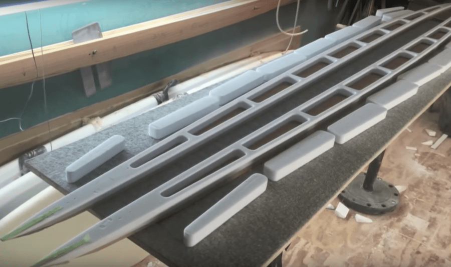 木製サーフボードの内部は空洞である必要がある
