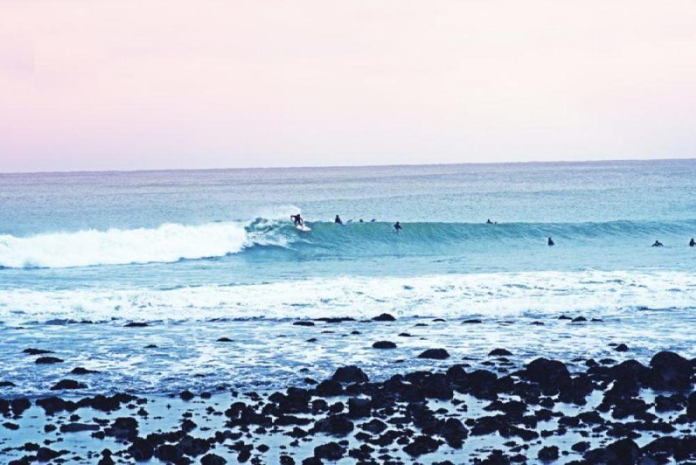 ラグラン、マヌベイでサーフィン