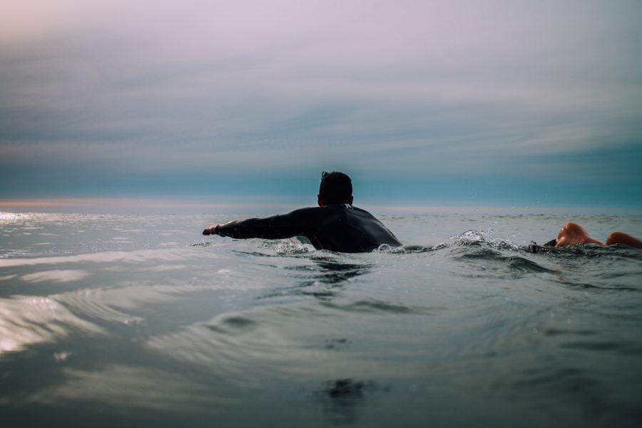 サーフィンをずっと続けるために肩を大事にしよう