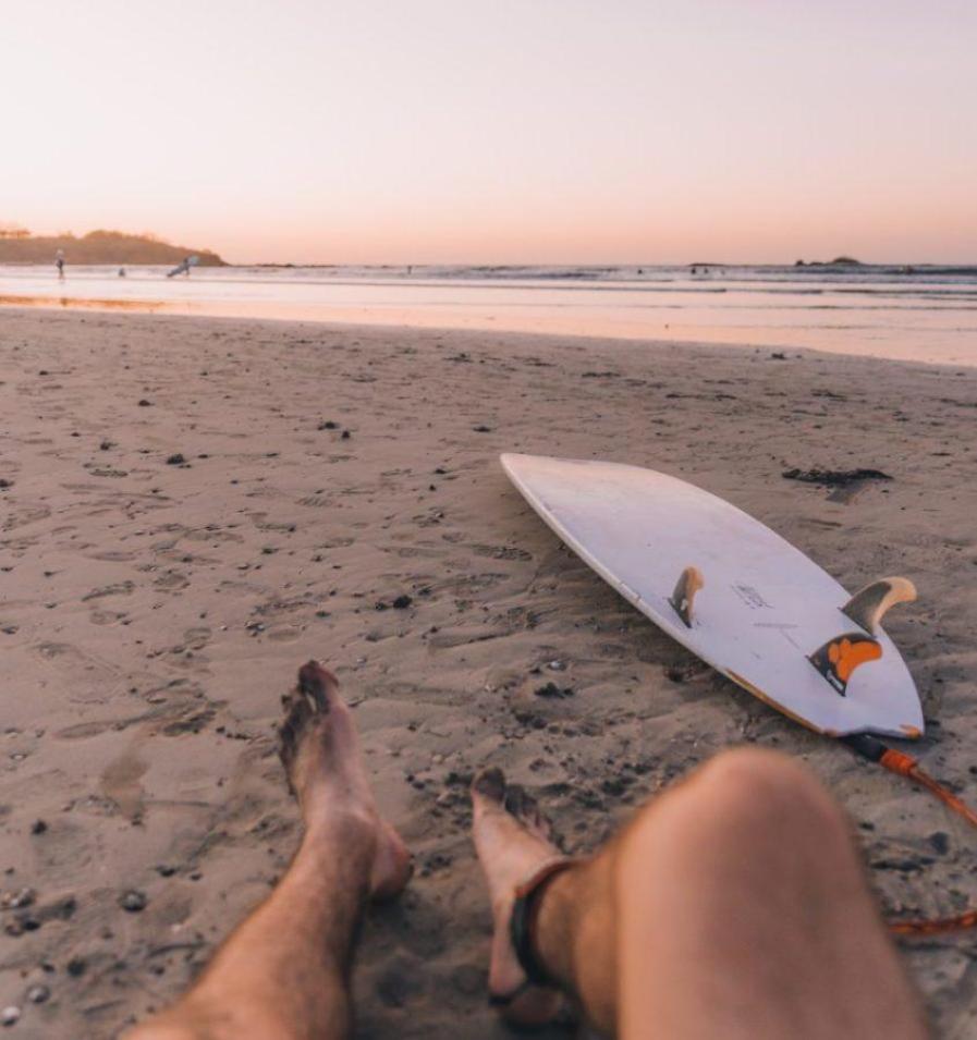 サーフィンには利き足が存在し、スタンスを決める重要な要素になる