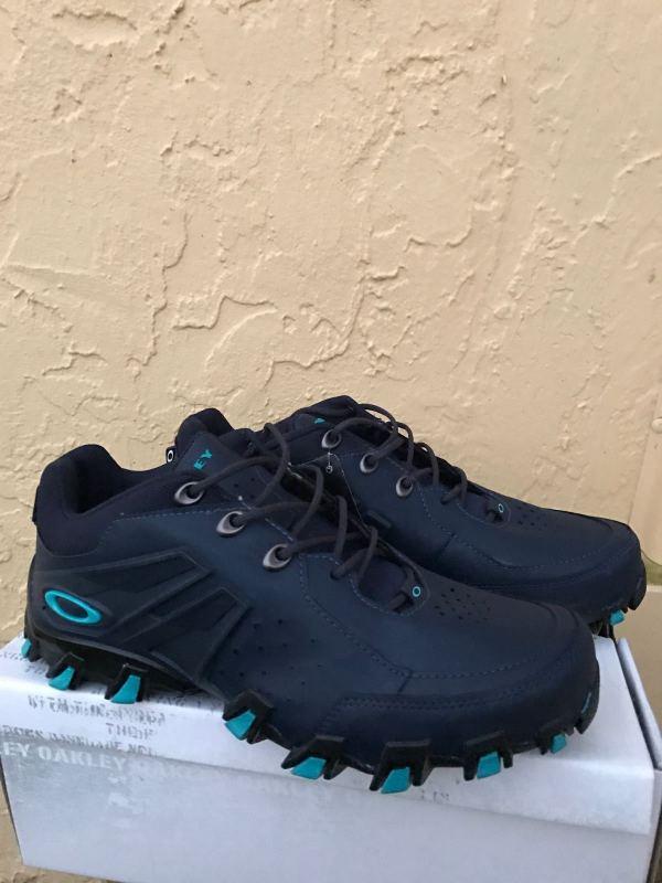 Oakley Men Teeth Razor Shoes Size 11