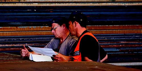 P275 pressure vessel steel plates being reviewed by some of our highly experienced staff