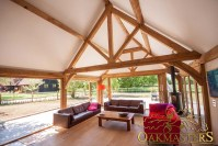 King post trusses and open vaulted ceilings - Oakmasters