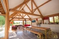 Luxury bespoke oak roofs, oak trusses and oak roof rafters ...