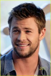 OakMonster.com - Crushing on Chris Hemsworth