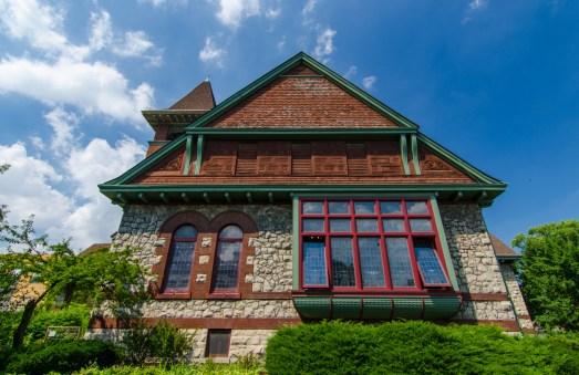 Pilgrim Congregational Church in Oak Park. Photo by Eric Allix Rogers.