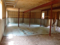 In order to optimize energy efficiency, both the basement floor and the walls are well insulated.