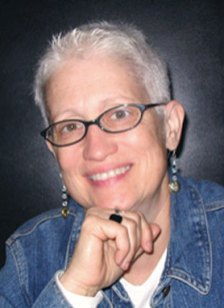 Etta Worthington, a former Oak Parker, teaches script-writing at Columbia College.