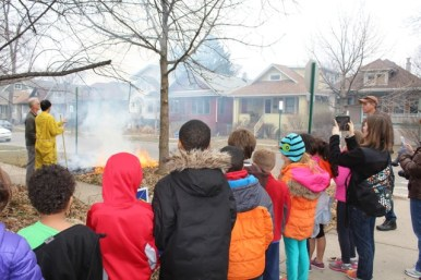 Irving school 2nd graders learning about controlled burns with Doug Chien. Courtesy Michele Gurgas
