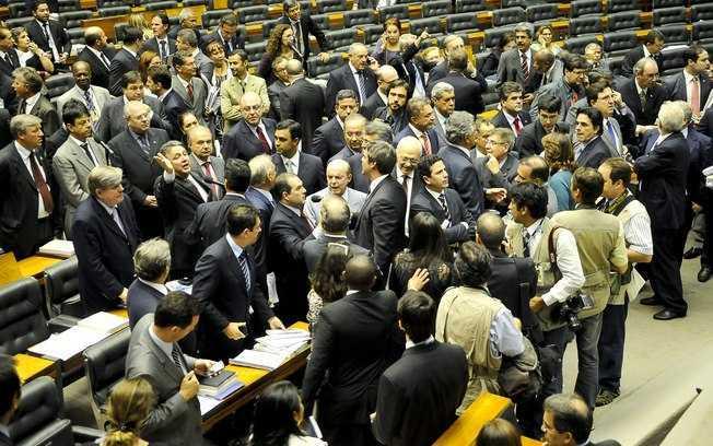 Impasse sobre os royalties adiou para o ano que vem a votação do Orçamento de 2013 - Agência Brasil